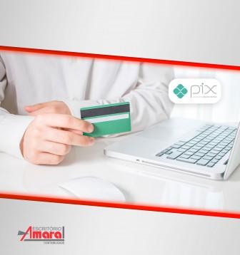 Pix e digitalização de pagamentos substituirão papel moeda, diz Banco Central