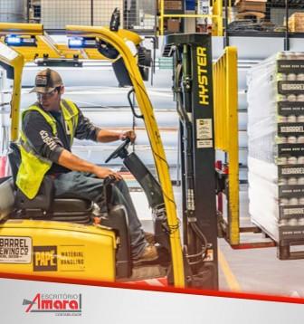 Desemprego tem queda de 1,5 ponto percentual em um ano e mostra melhoras no comércio