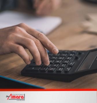 Quais as multas aplicadas por ausência de documentos fiscais no transporte de cargas?